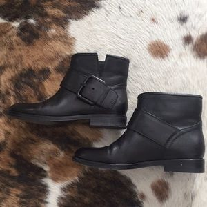 Sigerson Morrison blk leather booties